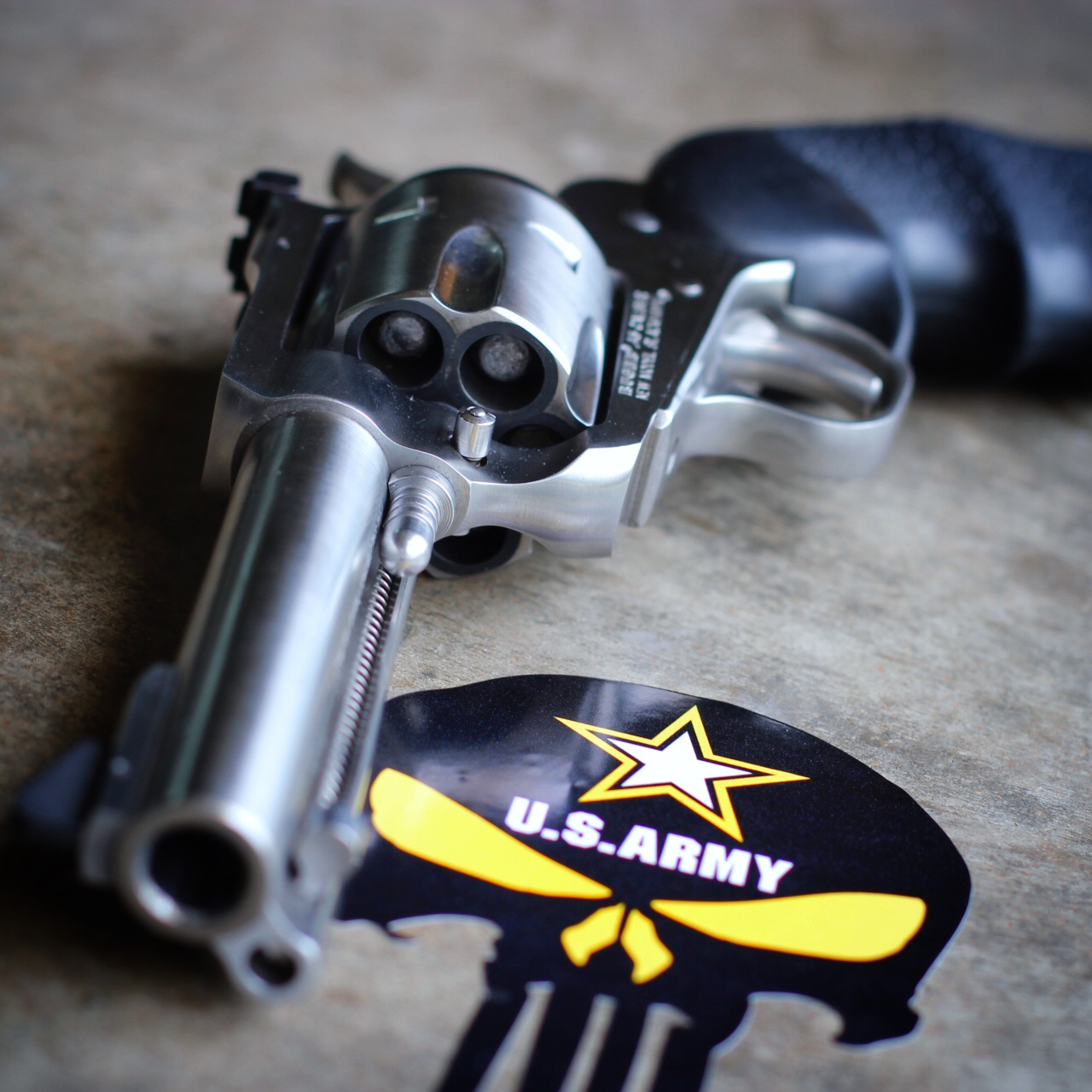 army-punisher-revolver.jpg