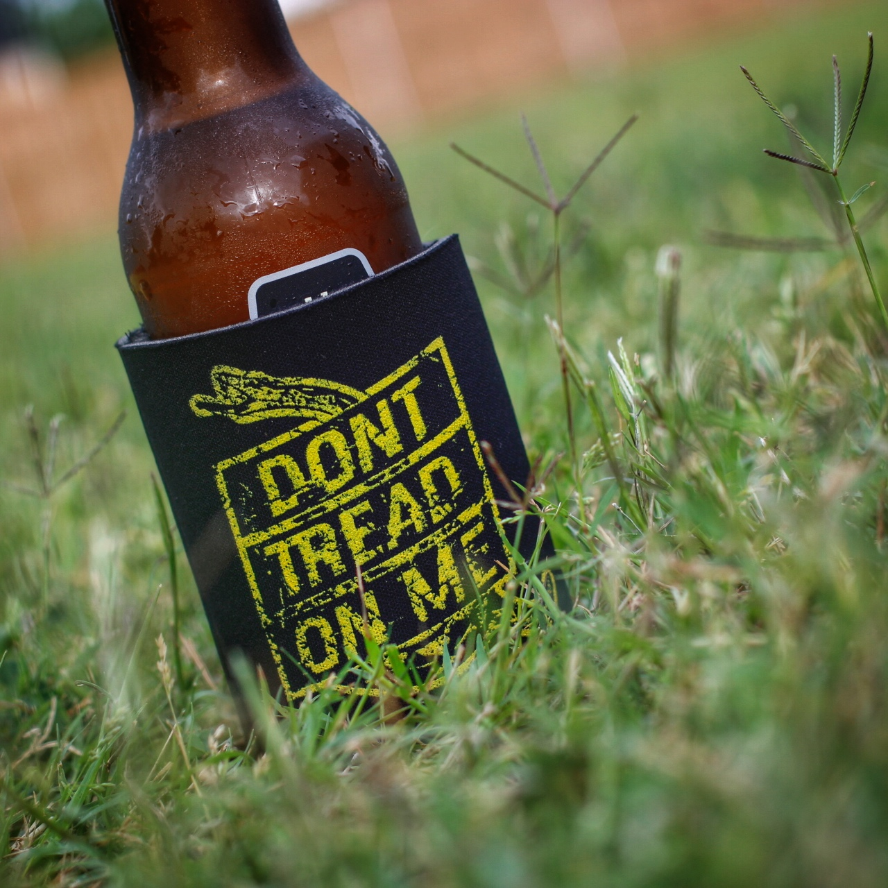 dont-tread-on-me-koozie.jpg
